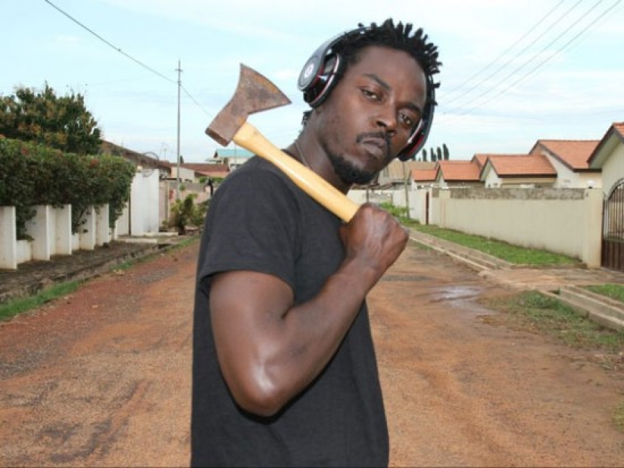 "'Crazy' Kwaw Kese 'Punches' Shatta Wale Very Hard On Twitter-""Obiaa Wone Master"""