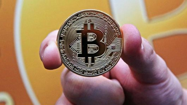 Bitcoin smashes through $6,100 to hit a new record high