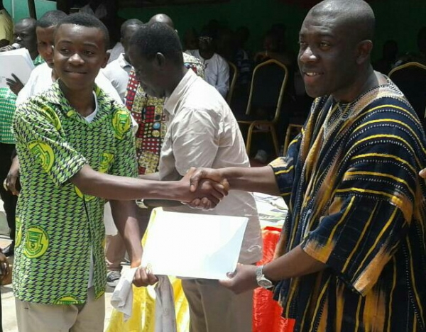 Oppong Nkrumah supports students