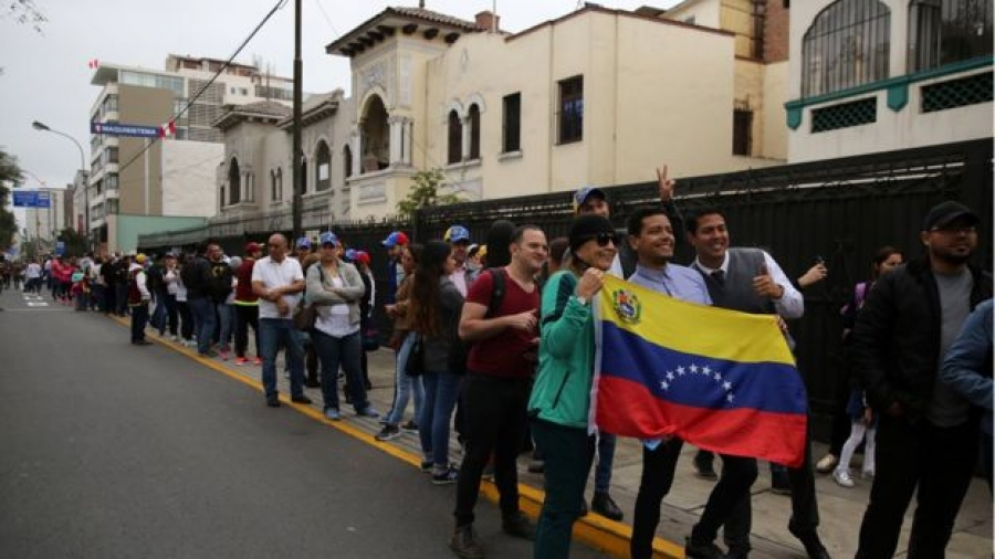 Venezuela referendum: Woman, 61, shot dead in polling queue