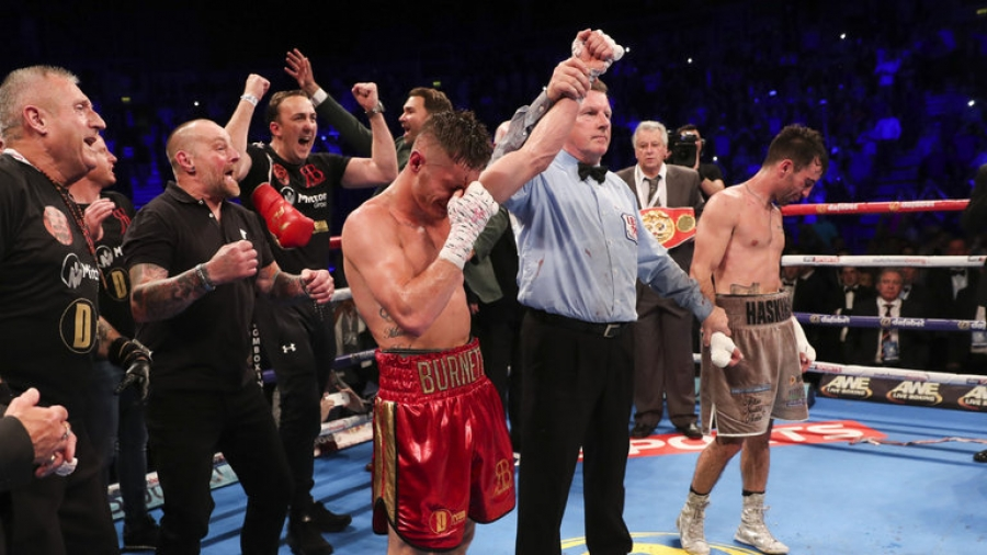 Ryan Burnett claimed the IBF bantamweight title at the end of an eventful evening in Belfast