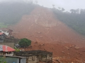 Sierra Leone mudslide kills hundreds as houses are buried
